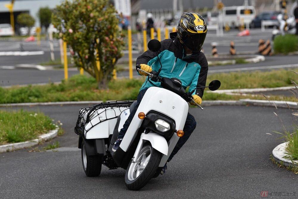 磯野家への御用聞きバイクも電動へ!? サブちゃんの3輪スクーターが進化した!?