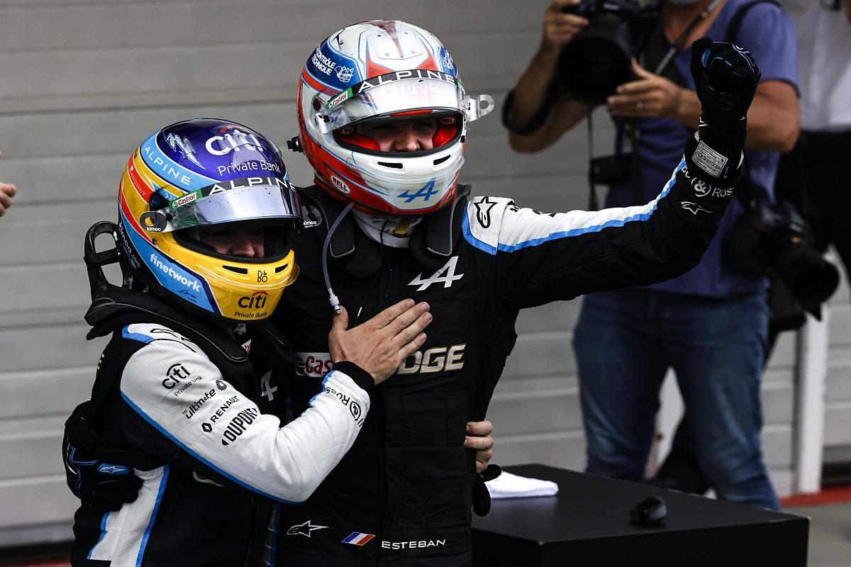 F1初優勝のオコン、王者ハミルトンに立ちはだかったアロンソに感謝「この勝利は彼のおかげでもある!」