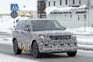 【スクープ】高級SUVのベンチマーク「レンジローバー」のPHEV仕様をキャッチ! 次世代型の高級感溢れる新グリル初披露