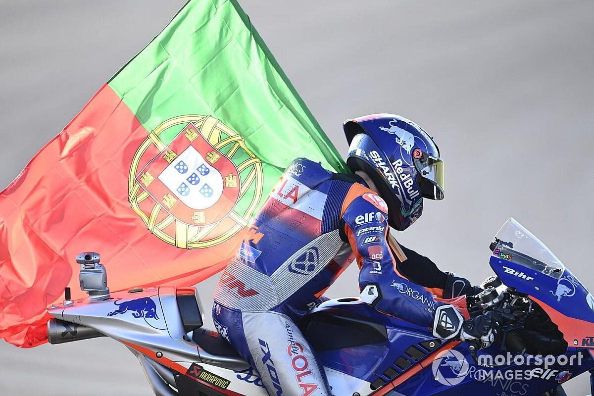 【MotoGP】母国で完勝のミゲル・オリベイラ、初優勝時とは違った難しさがあった?「感情をコントロールしていた」|ポルトガルGP決勝