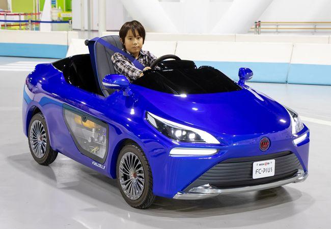 実際に燃料電池で走る! MEGA WEBライドスタジオに 新型「FC-PIUS」 が登場。現在は一時休館中、再開が楽しみ!