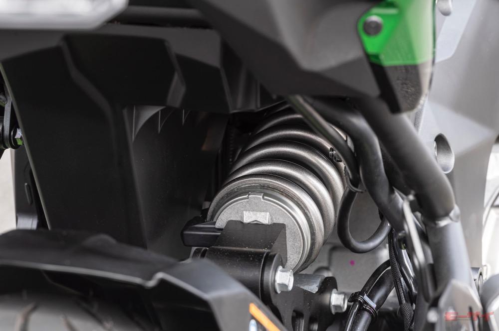 「カワサキ 新型ヴェルシス1000SE試乗速報」日本発売前に、最新電子制御サスペンションとのマッチングをテストする