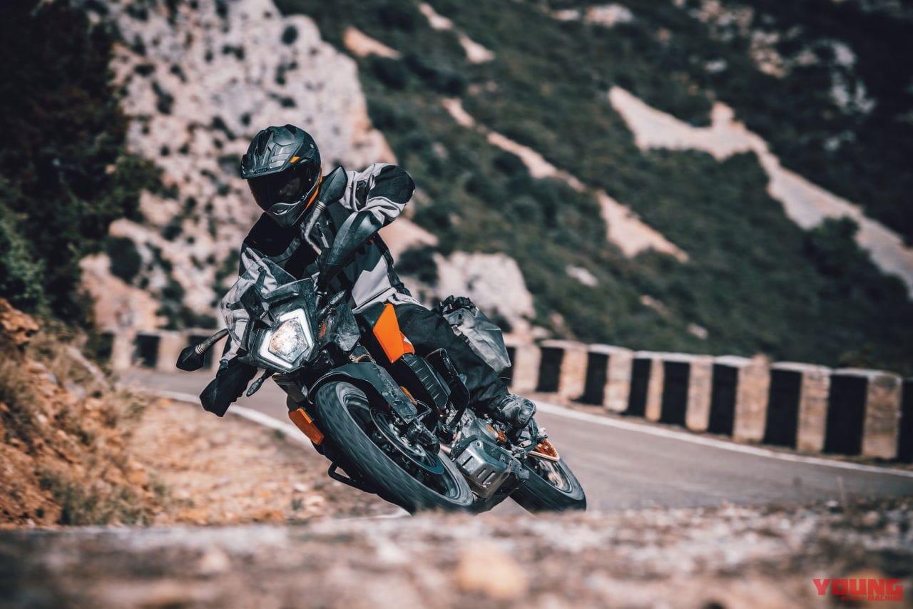 CRF250ラリーにライバル現る! KTMの新型「250 ADVENTURE」登場