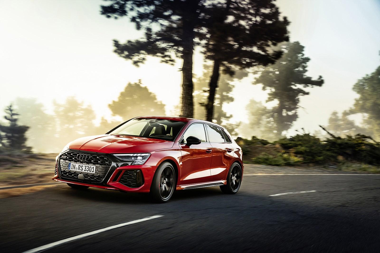 出力は控えめでもAMG A45やM2を凌ぐ加速性能を実現! アウディ「RS3スポーツバック/セダン」発表