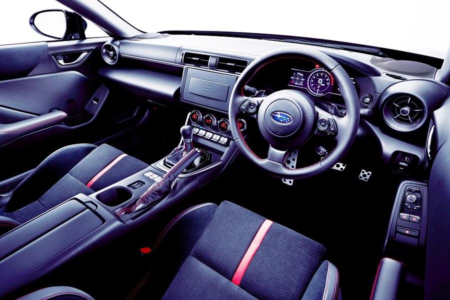 スバル新型「BRZ」を正式発表とその特徴 値段は308万円~343万円