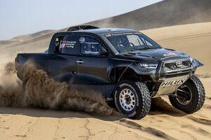 トヨタ、ダカールラリーを戦う新型ハイラックスを公開。規則変更に対応しアップデート