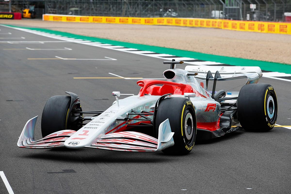 F1ドライバーが新世代マシンに求めるのは、やはり追い抜き増加?「1周3、4秒遅くなったって構わない」とフェルスタッペン