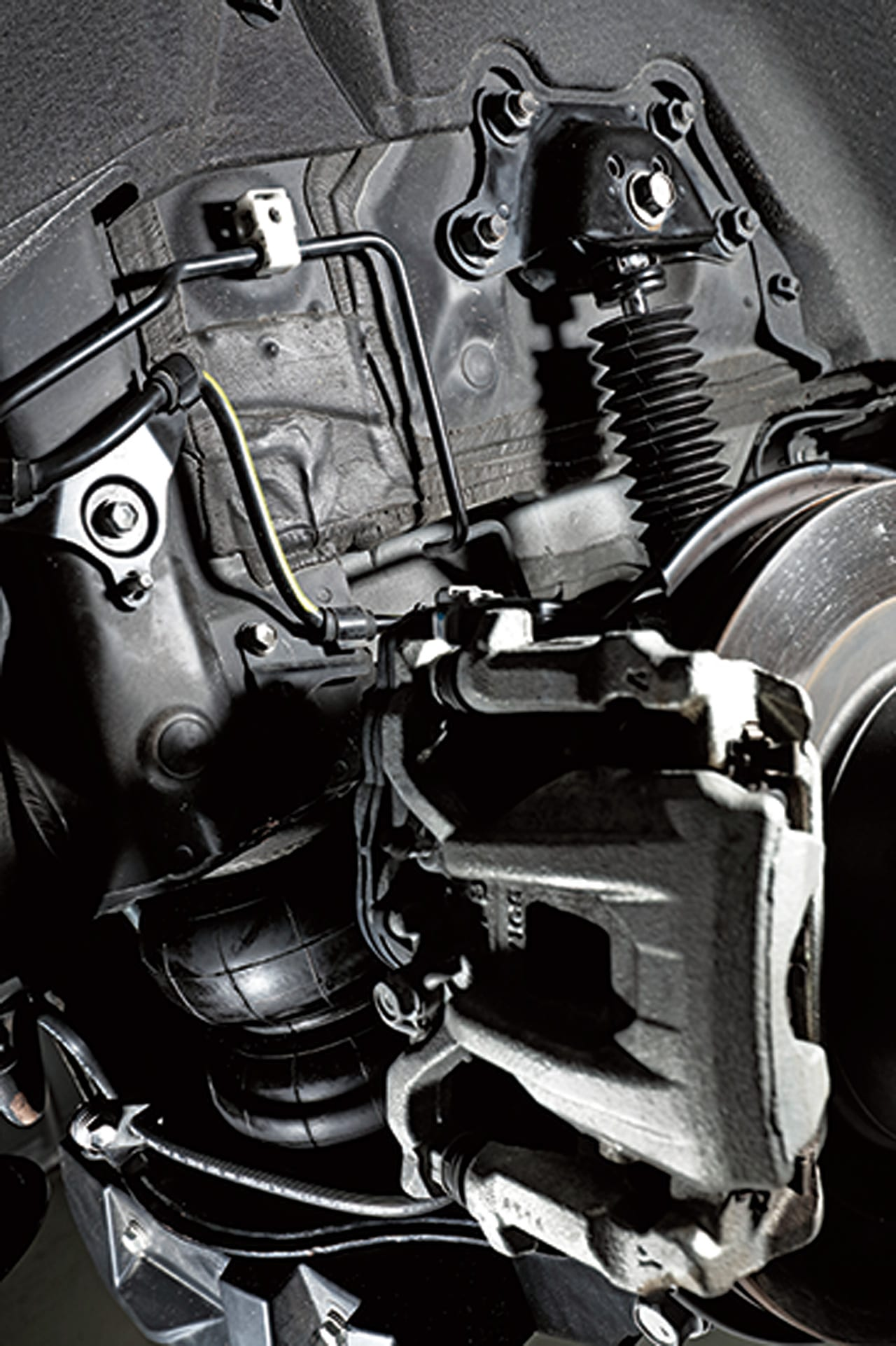 エアサスのファイナルアンサー! 新採用のリザーブタンク式ショック|30アルヴェル 足回り カスタム