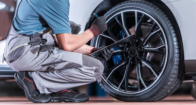 【事前に確認】車検に通るタイヤ・ホイールの条件とは?