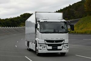 ドライバーの高齢化! 整備士不足! 「問題」解決に期待大の「トラック独特」のコネクテッド技術とは