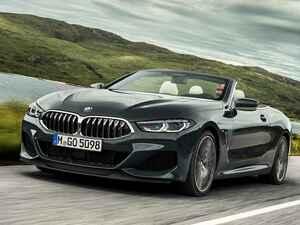 BMW 8シリーズのクーペとカブリオレに840iを追加。これまでなかった軽量な後輪駆動モデル