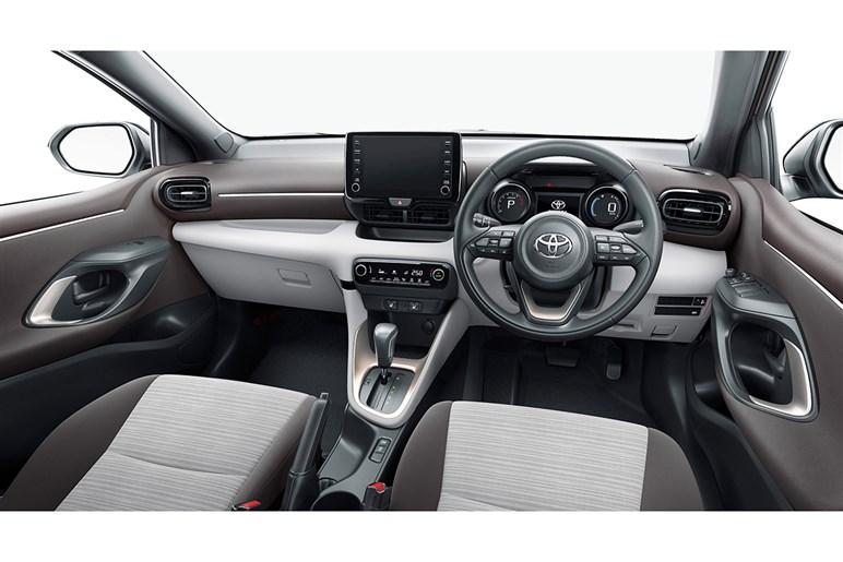 トヨタ「ヤリス」 一般ユーザーならオススメはガソリンモデルの中間グレード「G」