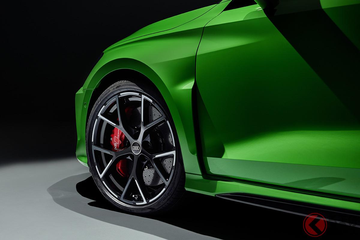 アウディ新型「RS3」世界初公開! 400馬力の2.5リッター5気筒ターボで最高時速290キロを実現