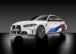 最新BMW M3セダンとM4クーペをよりスパイシーに引き締める「Mパフォーマンスパーツ」登場
