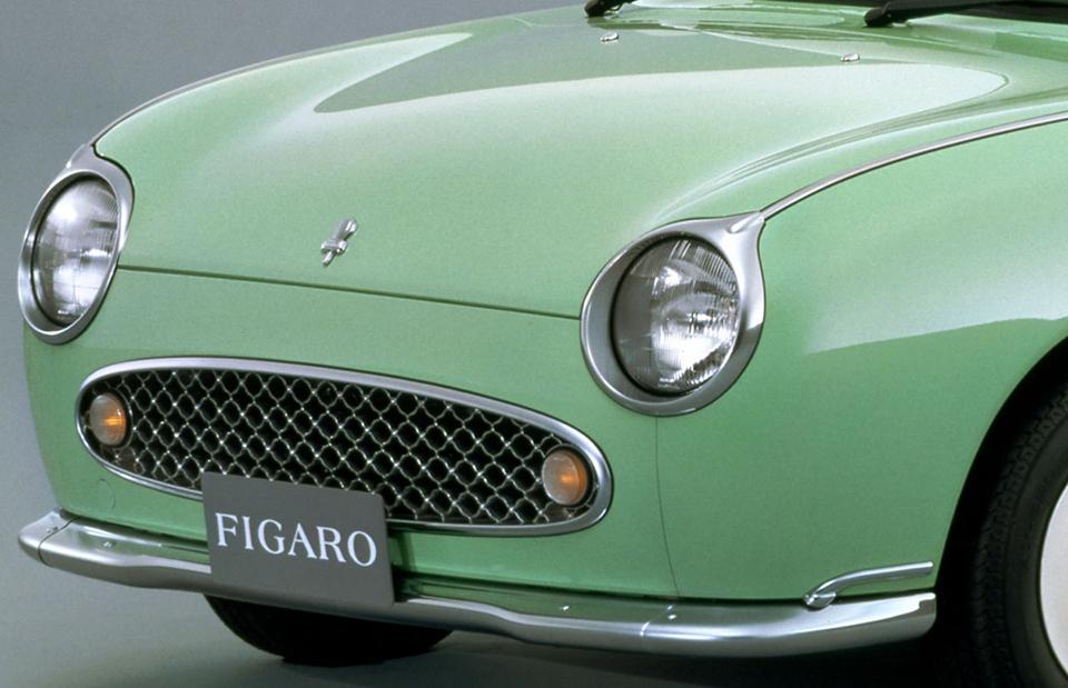 「右京カー」で話題の日産フィガロは中古でいくら?
