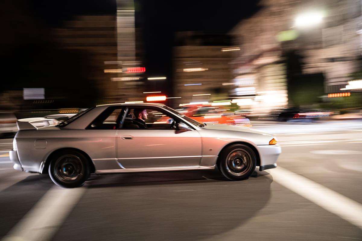 走り去る「丸テール」「直6サウンド」に一目惚れ! 「ワンオーナーのR32」を手に入れたアメリカ人が語る「GT-R」 愛