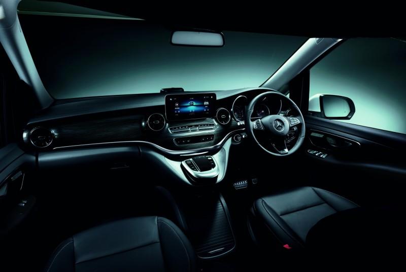 ポップアップルーフにフルフラットベンチシートなど快適装備を満載したメルセデス・ベンツのミニバン「V 220 d Marco Polo HORIZON」