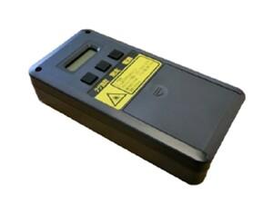 レーザー光でタイヤの溝の深さを瞬時に測るハンディタイプのタイヤ溝計測器「みぞみるくん」