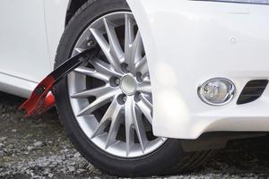 最新の自動車盗難の手口が「CANインベーダー」!! 効果的な撃退方法とは?