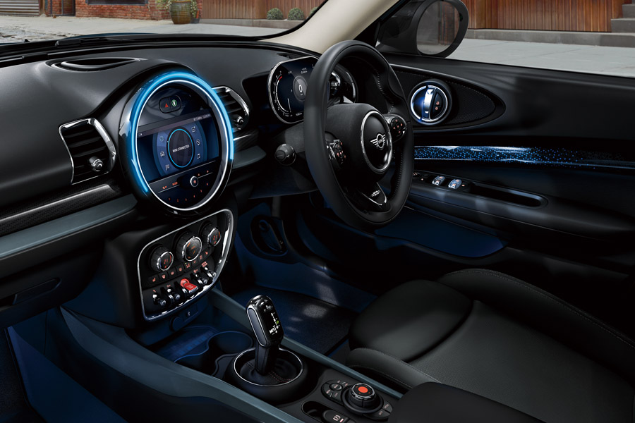 MINI「ISETAN」とコラボした特別仕様車「MINIクラブマン・サヴィル・ロウ・エディション」発売