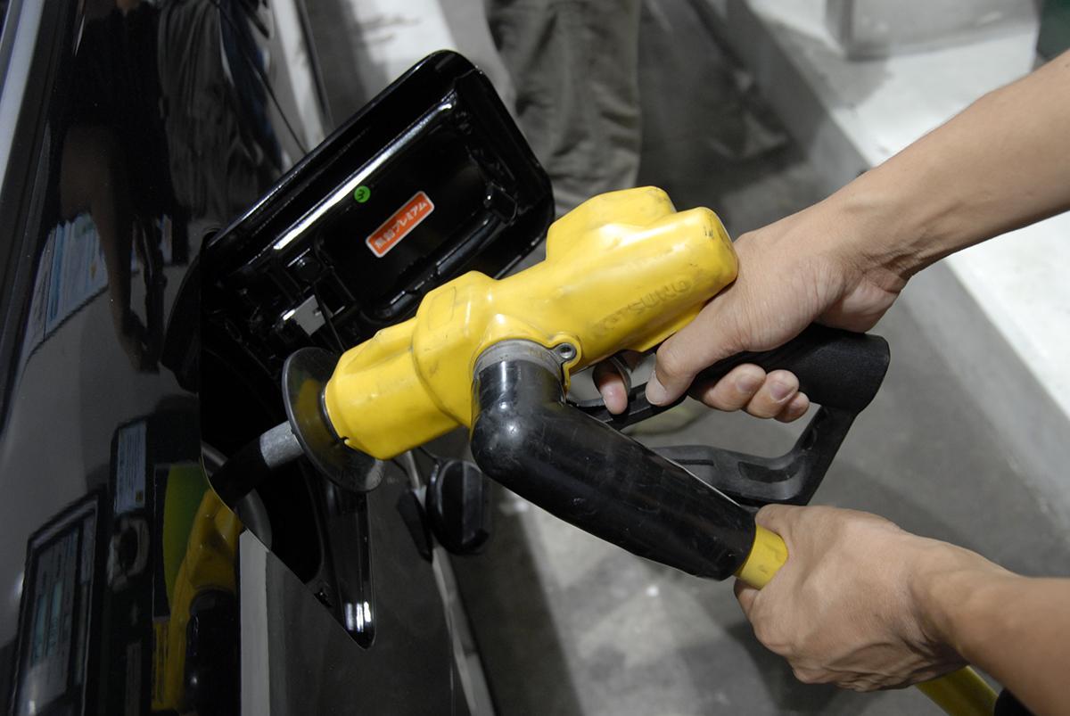 ガソリン使用量は減る一方! 「生き残り」をかけた石油元売りやガソリンスタンドの「策」とは