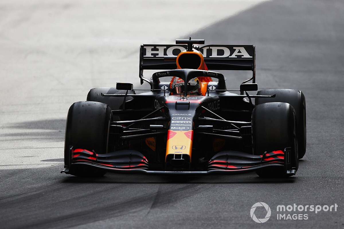 """F1王者の経験値……ベッテル「フェルスタッペンには、ランキング首位奪取より勝てるという""""安心感""""の方が重要」"""