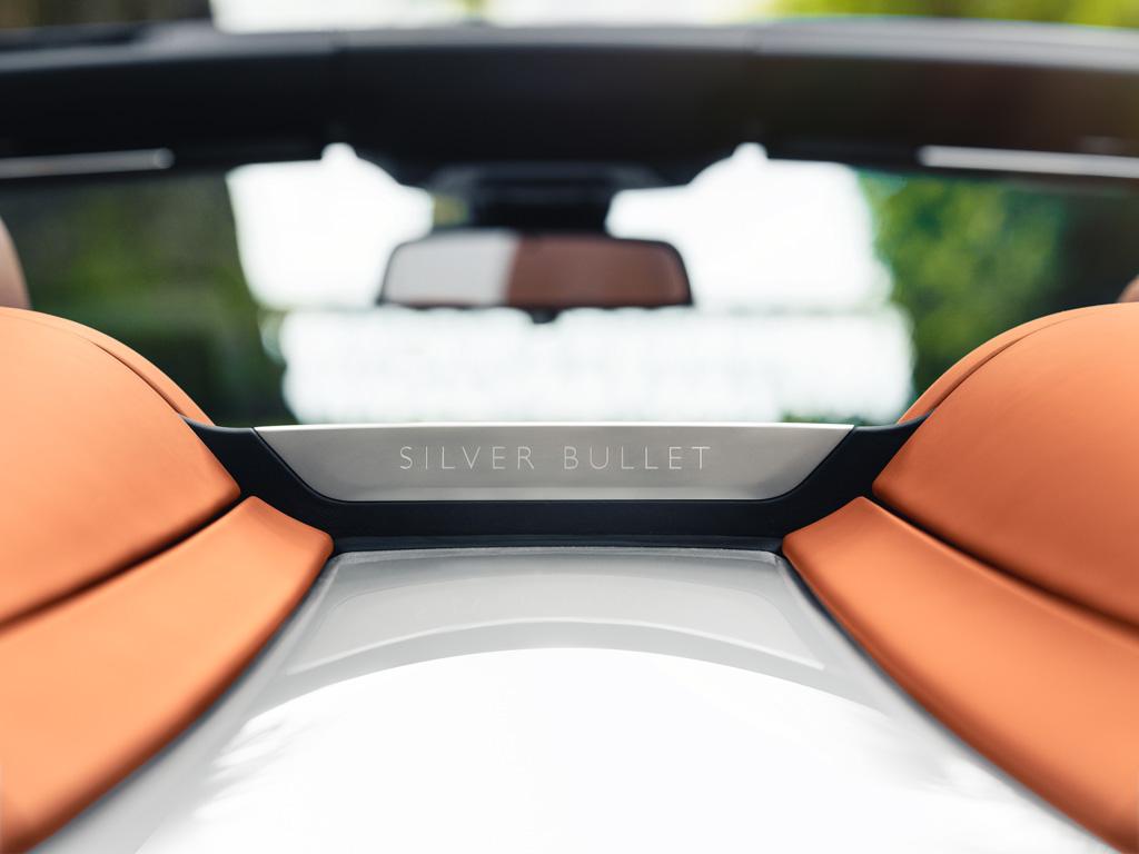 ロールス・ロイスが特別な「ドーン・シルバー・バレット」の実車を公開!