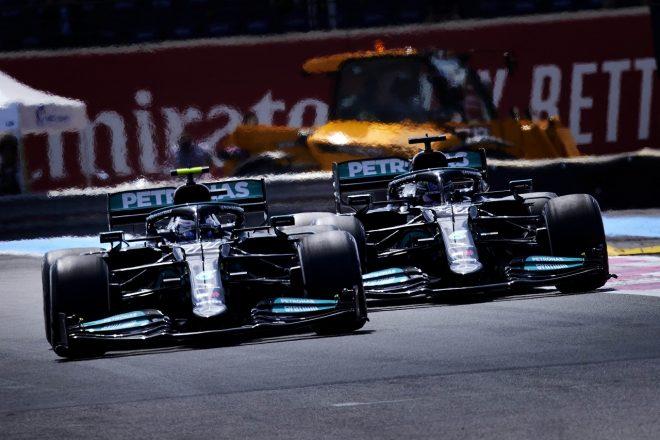 メルセデスがふたりのシャシーを交換。ハミルトン、ボッタスに0.2秒の遅れもシャシーの影響は否定/F1第7戦金曜