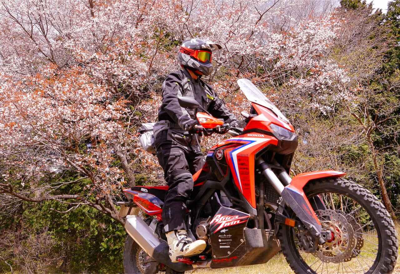 〈林道ツーリングの持ち物〉ダカールラリー・ライダー三橋淳が日帰りで林道を走るときに実際に持っていくものを紹介!