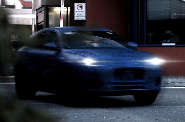 マセラティの新型SUV「グレカーレ」のプロトタイプが初公開