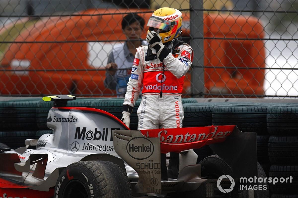 """トルコGP終盤にピットインしなかったハミルトン。その背景には13年前の""""悪夢""""が「タイトルを失った2007年が教訓になった」"""