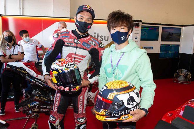 F1ドライバー角田裕毅がMotoGP初観戦。中上貴晶とカート対決やマルク・マルケスと会話を楽しむ