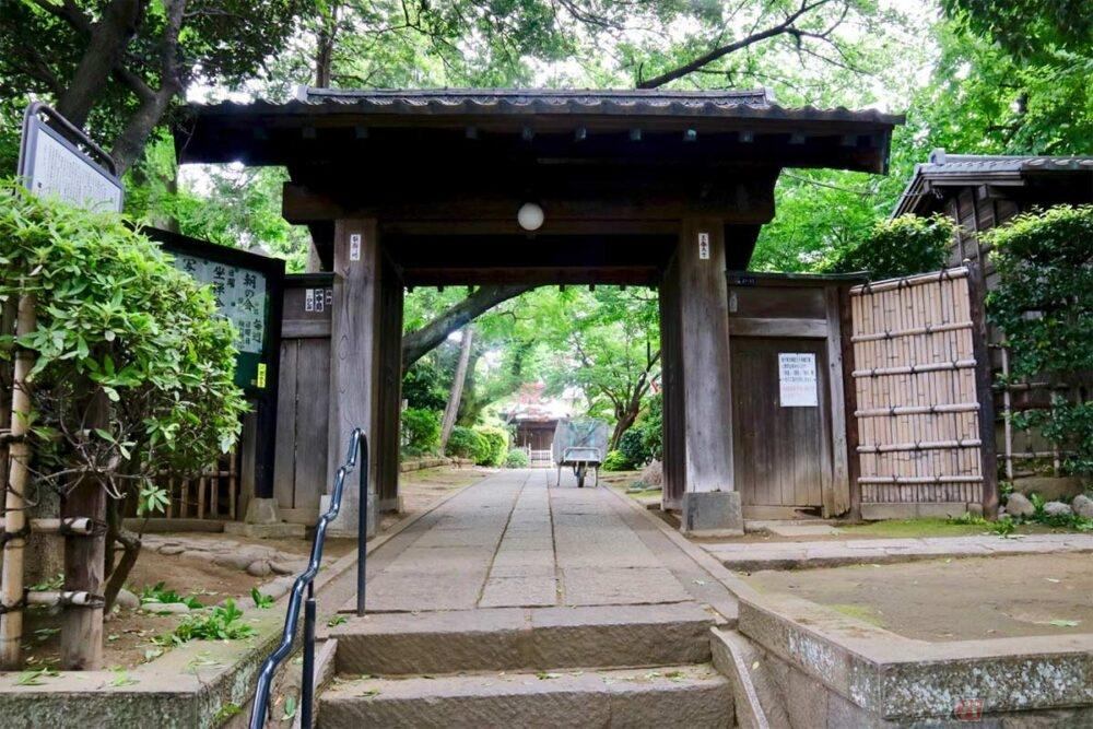 バイクで往く城跡巡り JR「赤羽駅」近くの「稲付城跡」には静謐な空間が広がっていた