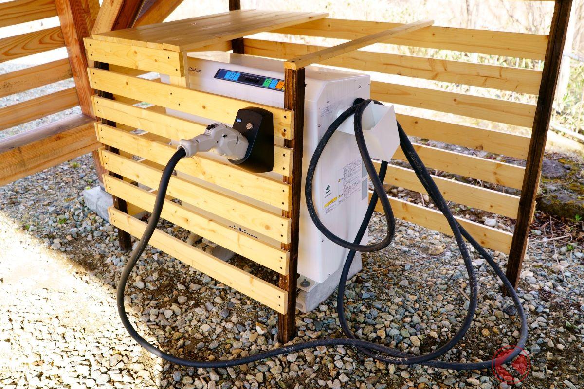 ホンダeの電気で焼肉してみた! 万能なEVの「電気力」って何?
