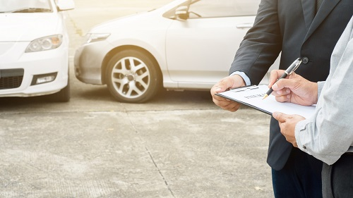 カーリースの保険付きプランとは?任意保険の必要性や選び方などを徹底解説