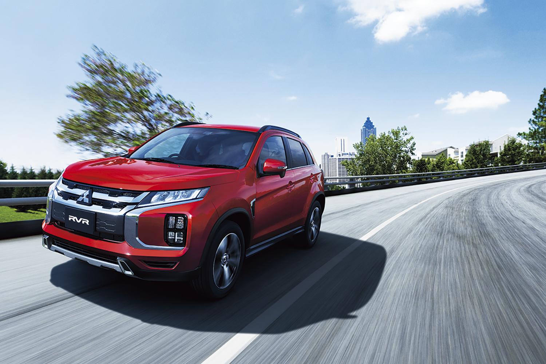 安全装備の充実と新色追加と車内使い勝手の向上! 一部改良でさらに魅力的になった三菱RVR