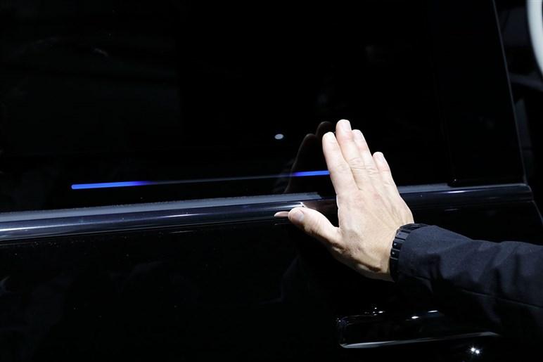 オデッセイが7年目のビッグMCで顔つき大胆チェンジ。果たしてミニバン市場での戦闘力は?