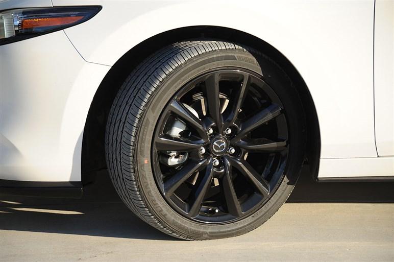速報・マツダ3北米モデルの最強版2.5ターボに試乗。欧州ホットハッチのライバルとしての課題とは?