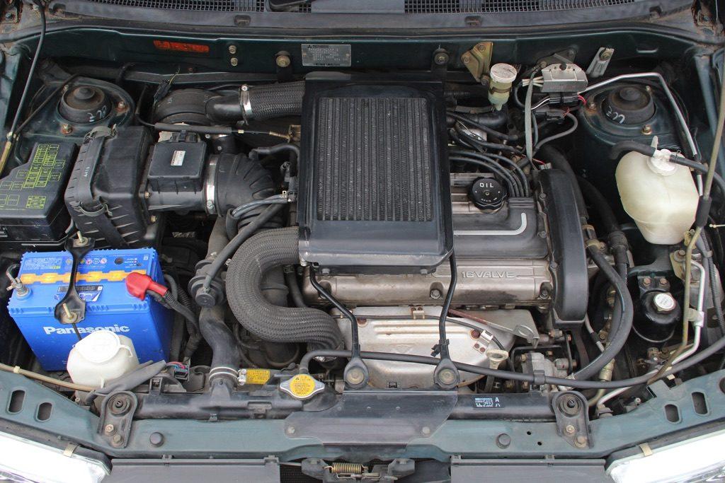 「4G63ターボ+フルタイム4WD+5速MT」…コイツは7人乗りのランエボだ! シャリオ・リゾートランナーGT【ManiaxCars】