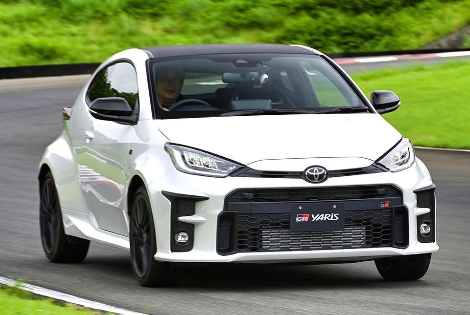 もはや常識? トヨタ&本場欧州が本気で投入 安くて楽しい「3気筒車」が市場を席捲!!!
