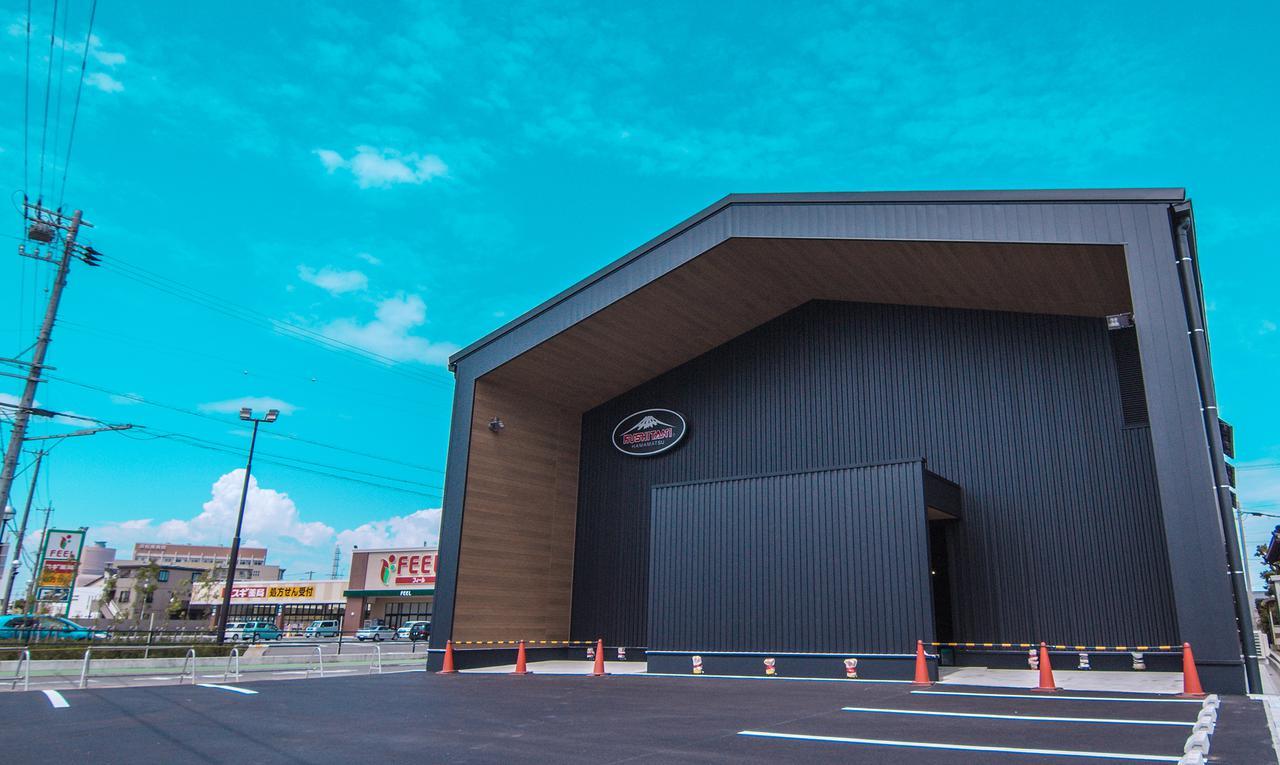 バイク用品店「クシタニ」の浜松本店が移転リニューアル! 新店舗は建屋・内装ともにオリジナル設計でオープン