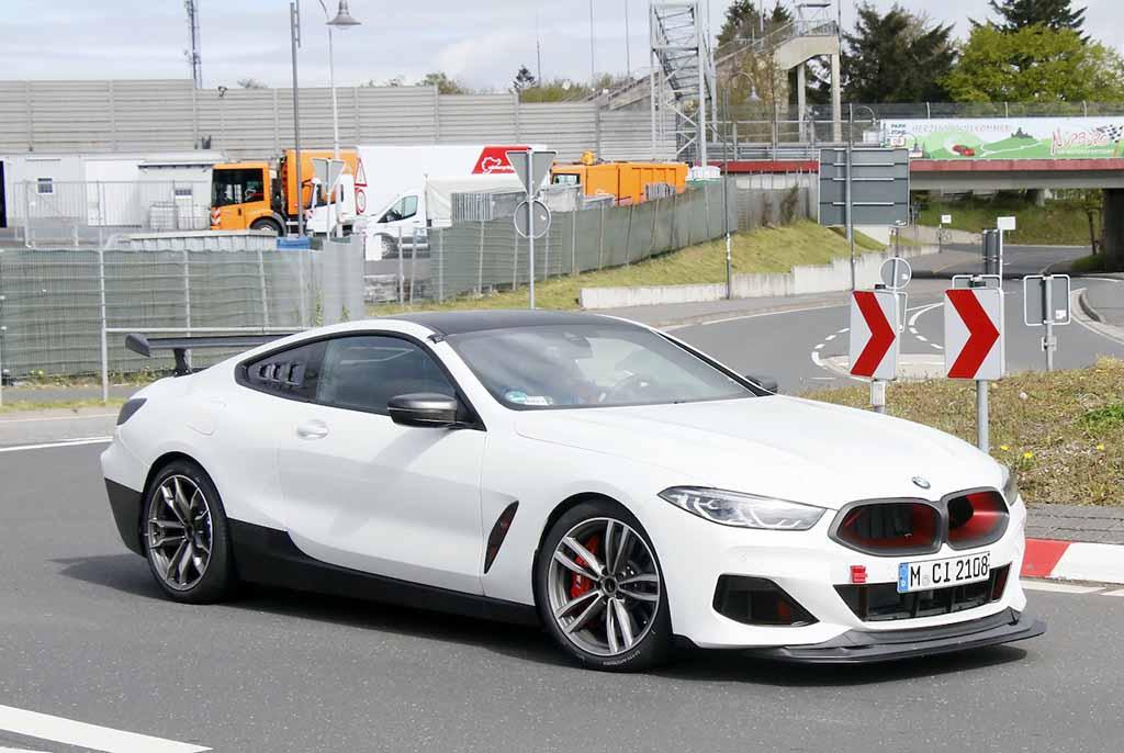 【スクープ】BMWが初のスーパーカーに着手!? M8ベース謎の開発車両をスクープ!
