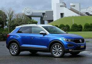 「最新モデル試乗」スタイリッシュなクーペSUV、新型VW・T-Rocはゴルフ後継車になり得る完成度