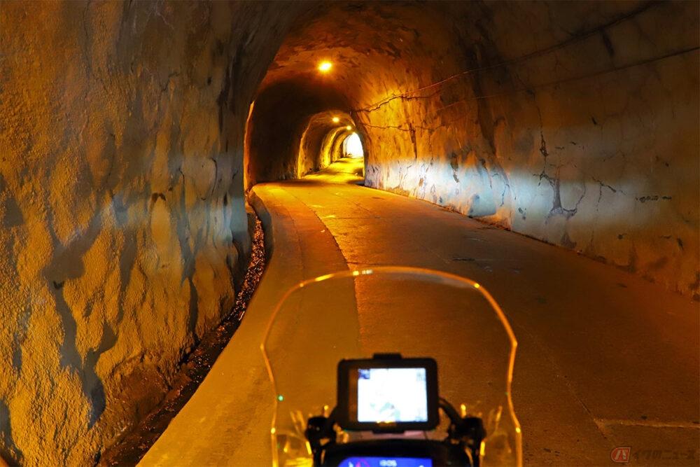 S字カーブが美しいクネクネ素掘りトンネル 房総半島で出会った「奥米トンネル」