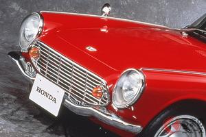 かつて赤い車は違法だった!? 車にまつわる変な法律/規制5選