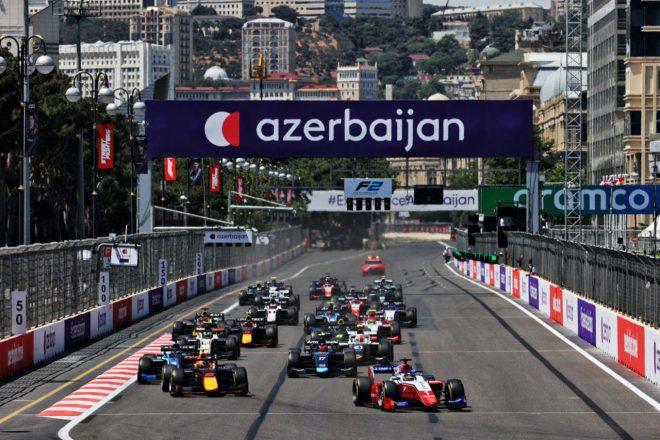 フェラーリ育成のシュワルツマンが優勝。佐藤万璃音は戦略が実らず18位【FIA-F2第3戦アゼルバイジャン レース1】
