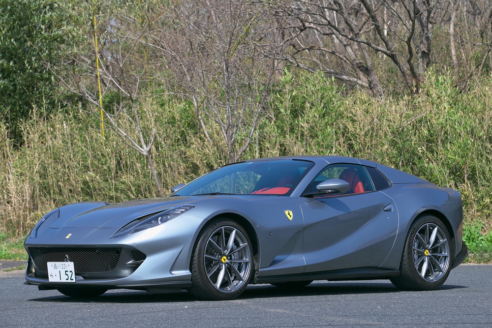 【動画付き】サーキット育ちのV12エンジンを搭載したフェラーリの2シーターオープン「812GTS」