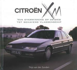 シトロエンXMの歴代シリーズを網羅し、ベルトーネやPSAの珍しい初期デザインスケッチなども窺い知ることができる写真資料集【新書紹介】