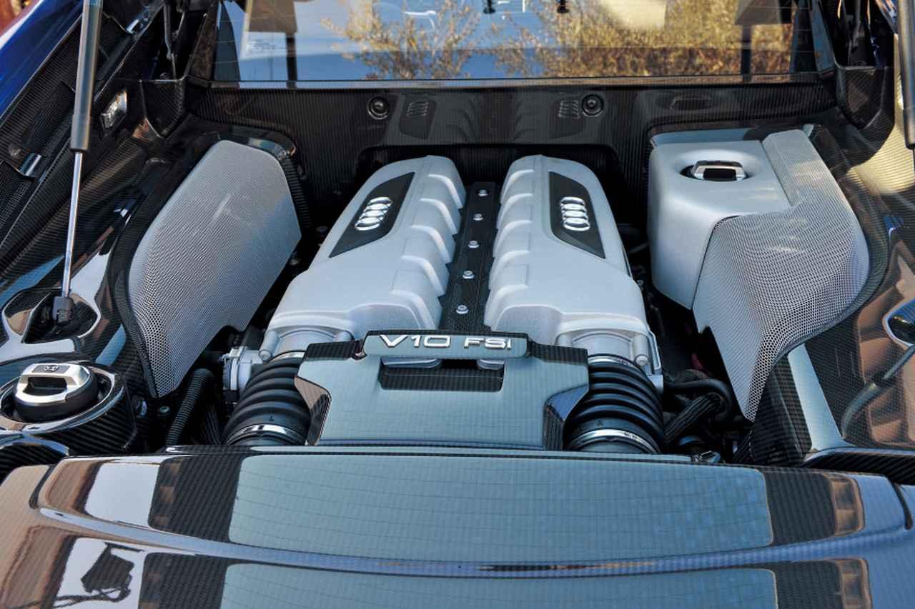 V10エンジンを搭載して登場したR8は「違う価値」のスーパーカー【10年ひと昔の新車】