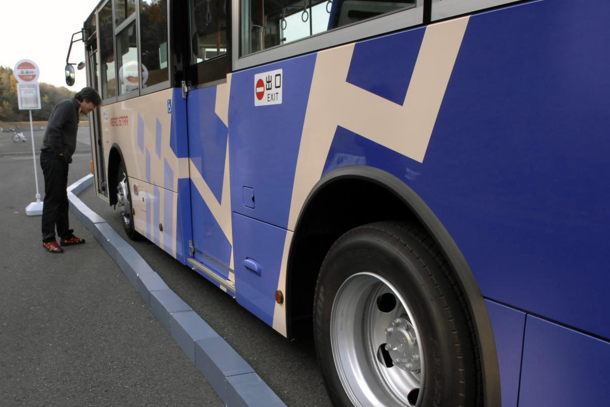 コロナがバス業界を襲う! 最近路線バスの走りが「ぎこちなく」なったワケ